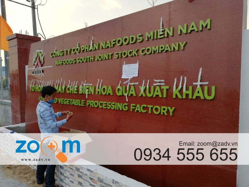 Làm bảng hiệu inox mặt tiền ở Đà Nẵng