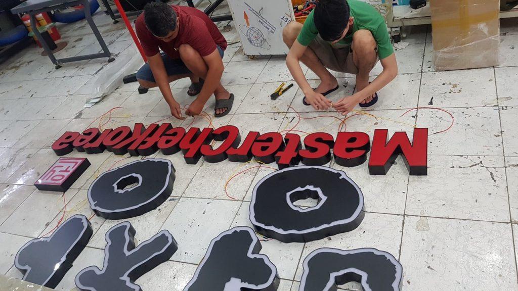 Làm chữ  mica nổi tại Đà Nẵng