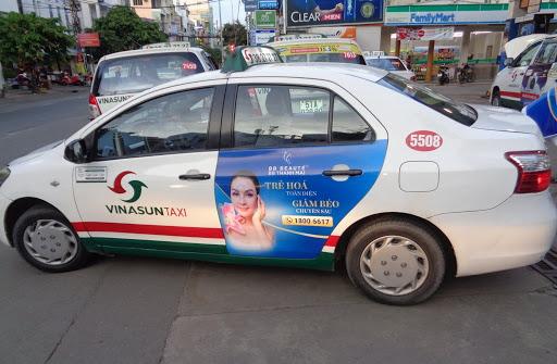 quang cao taxi 2